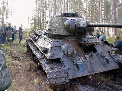 All Out!  A Captured T-34!